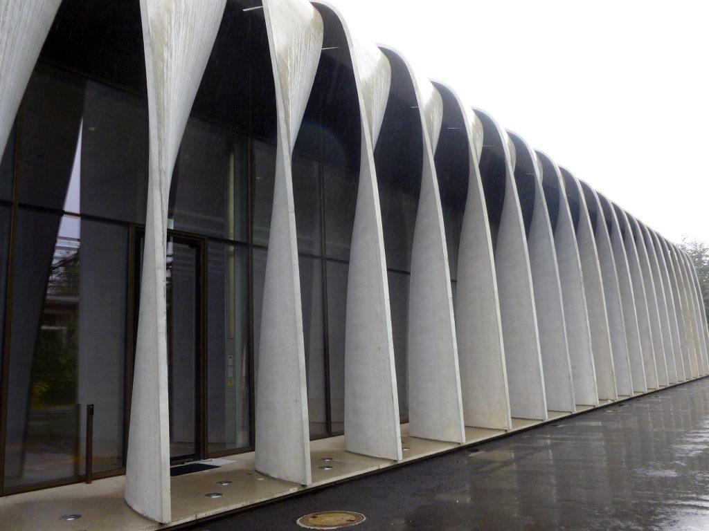 Pappardelle brise-soleils en béton architectonique