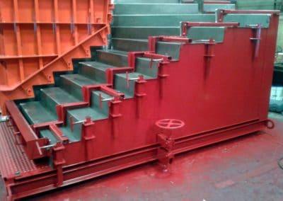 Moules d'escaliers - détail du réglage du passage