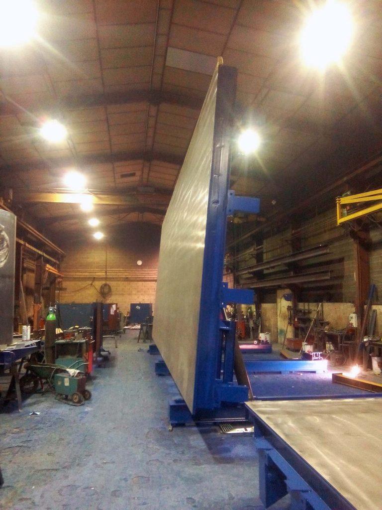 Tables de préfa à relevage hydraulique et rives de hauteur variables