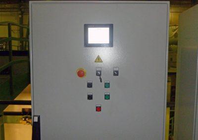 Automatisch gesteuerter Entschalungsprozess der Trafostation.