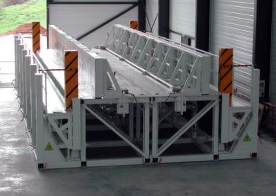 Verstellbare Schalung für Stützen und Binder aus Beton