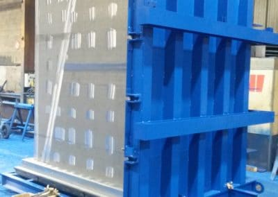 Schalung zur Herstellung von Aufzugschächten aus Beton